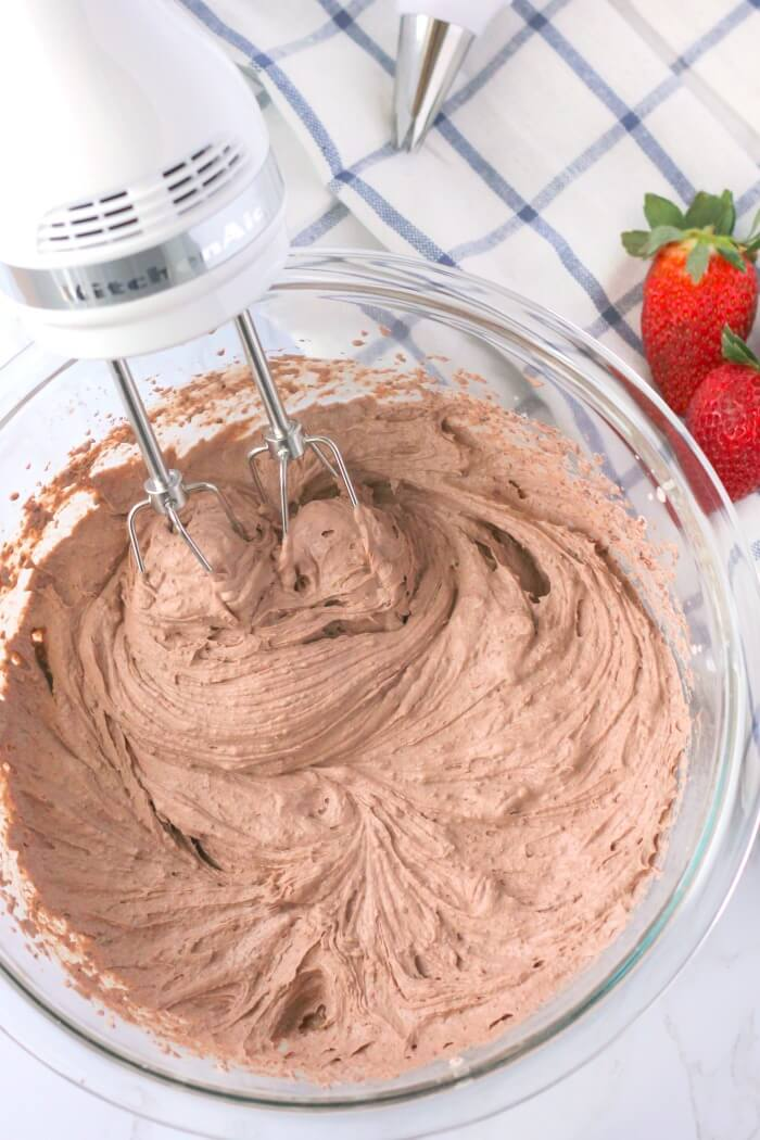 WHIP CHOCOLATE MOUSSE WITH AN ELECTRIC MIXER