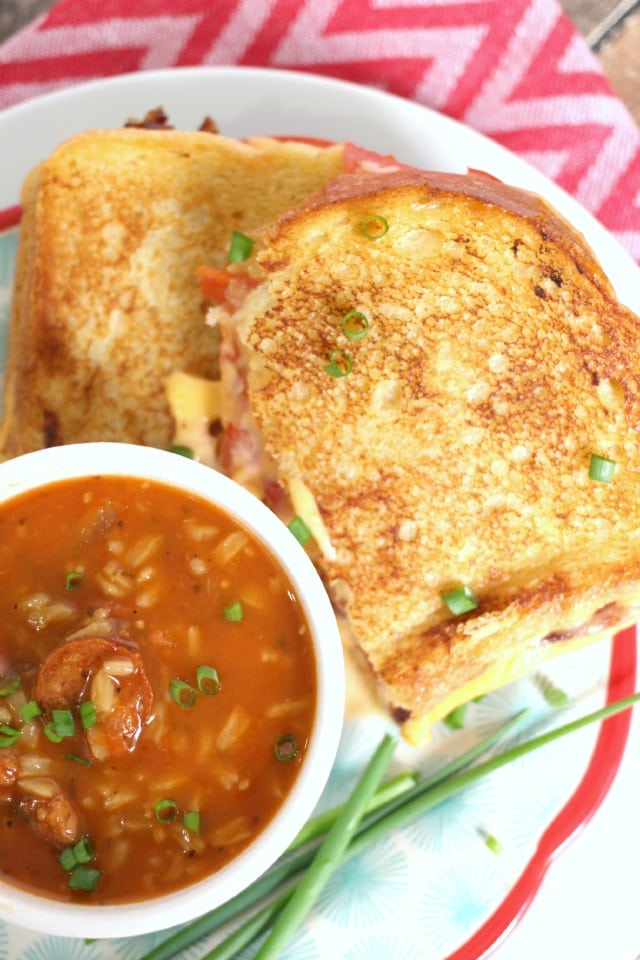 Grilled Cheese and Tomato Soup from Mama Loves Food