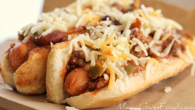Chili Cheese Dogs from Mama Loves Food