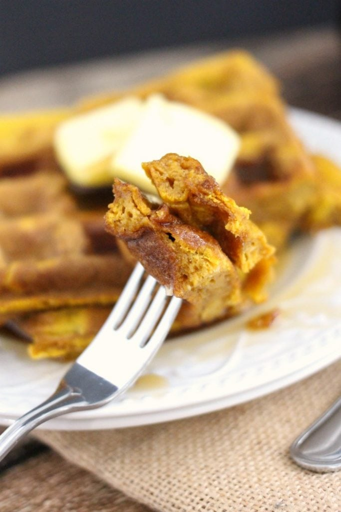 Simple Pumpkin Spice Waffles Recipe