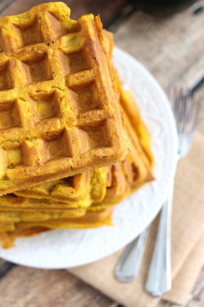 Simple Pumpkin Spice Waffles Recipe