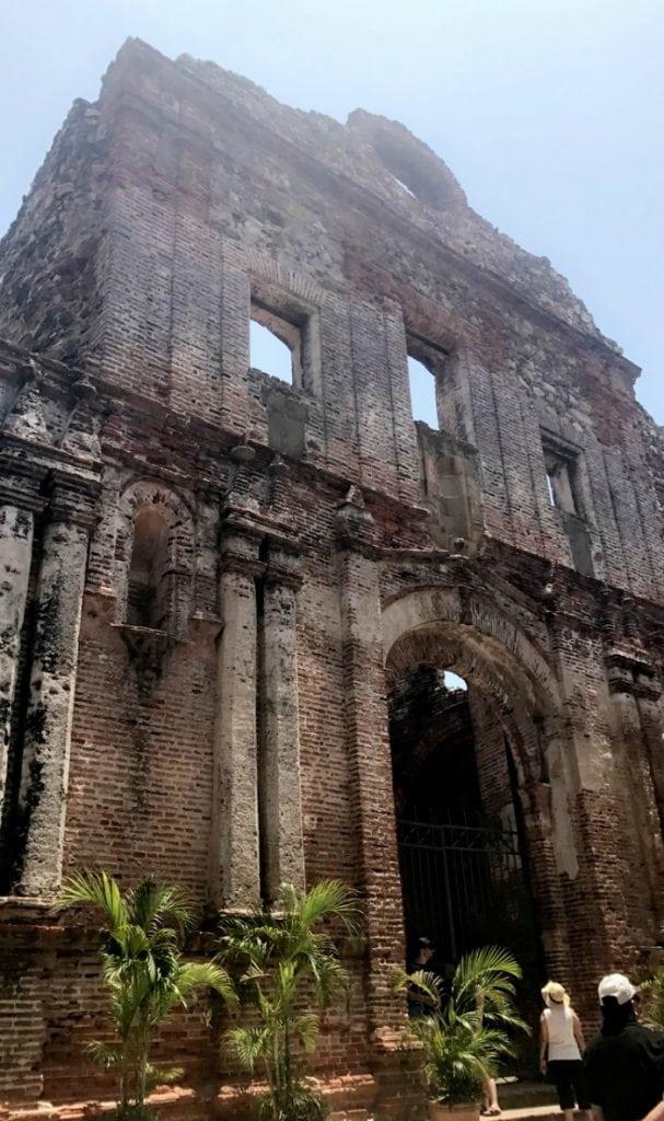 beautiful building ruins in old panama city