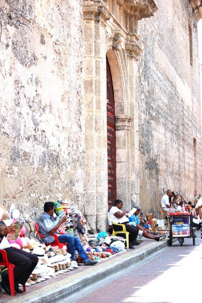 street vendors in cartagena colombia