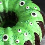 EASY CHOCOLATE HALLOWEEN CAKE