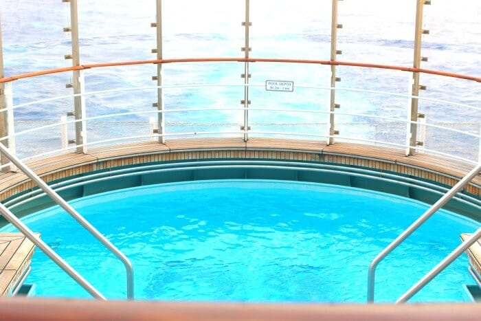 HOW TO NOT GET BORED ON A CRUISE SHIP