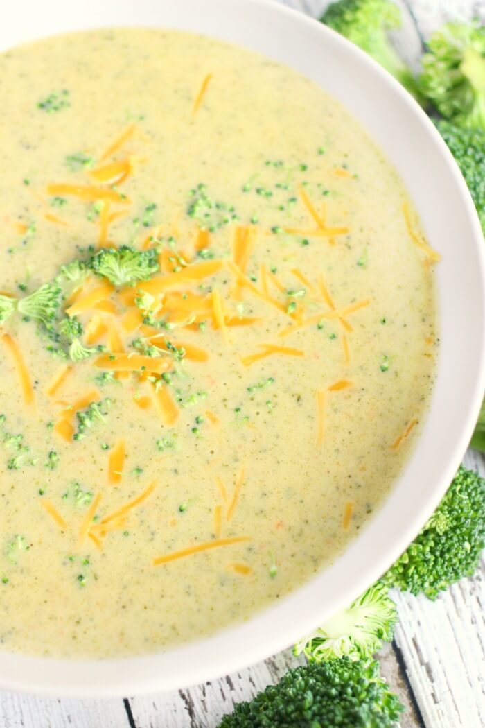 BEST BROCCOLI CHEESE SOUP