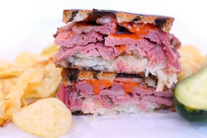 HOW DO YOU MAKE A REUBEN