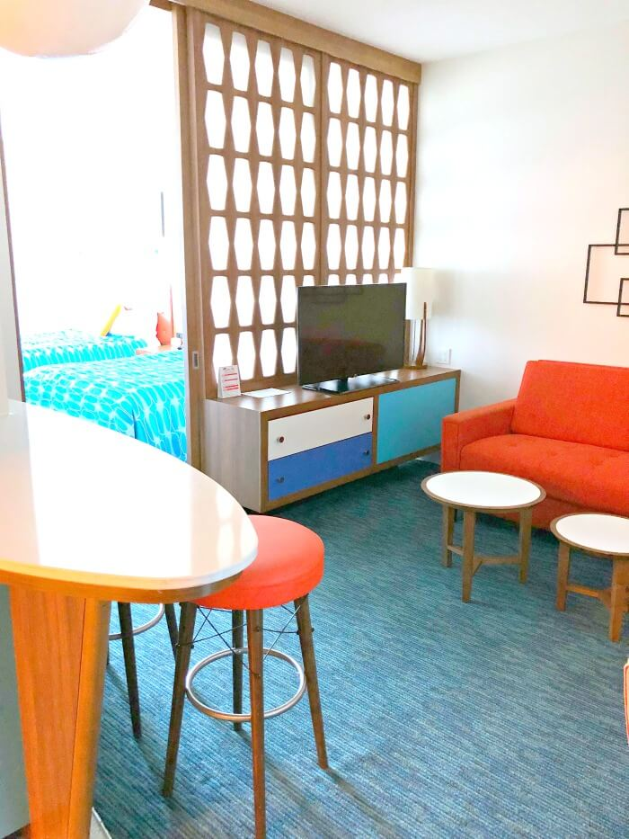LIVING ROOM OF CABANA BAY FAMILY SUITES