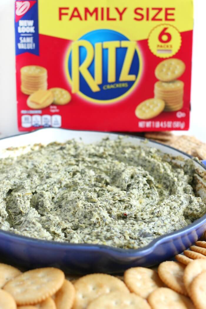 RITZ CRACKERS WITH SPINACH ARTICHOKE DIP