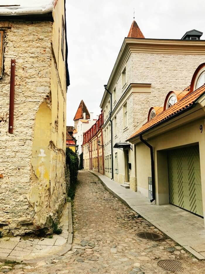COBBLESTONE STREET IN TALLIN ESTONIA