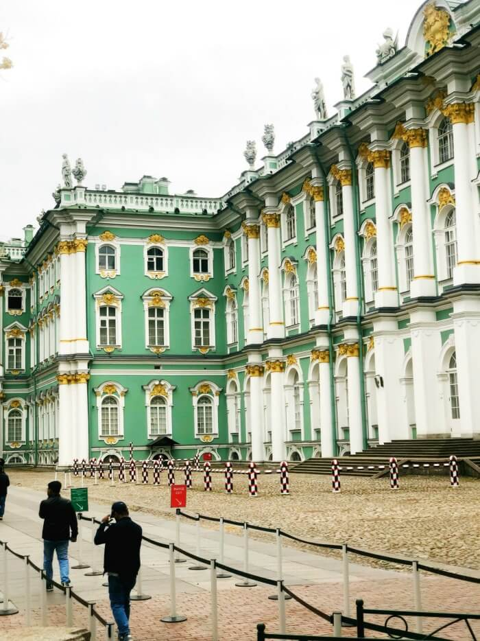 EXTERIOR OF HERMITAGE ST PETERSBURG