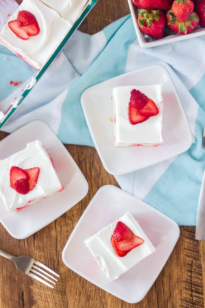EASY STRAWBERRY POKE CAKE RECIPE