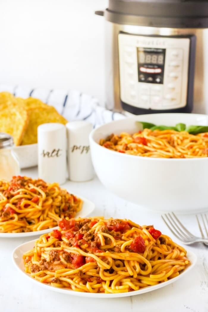 EASY INSTANT POT SPAGHETTI RECIPE
