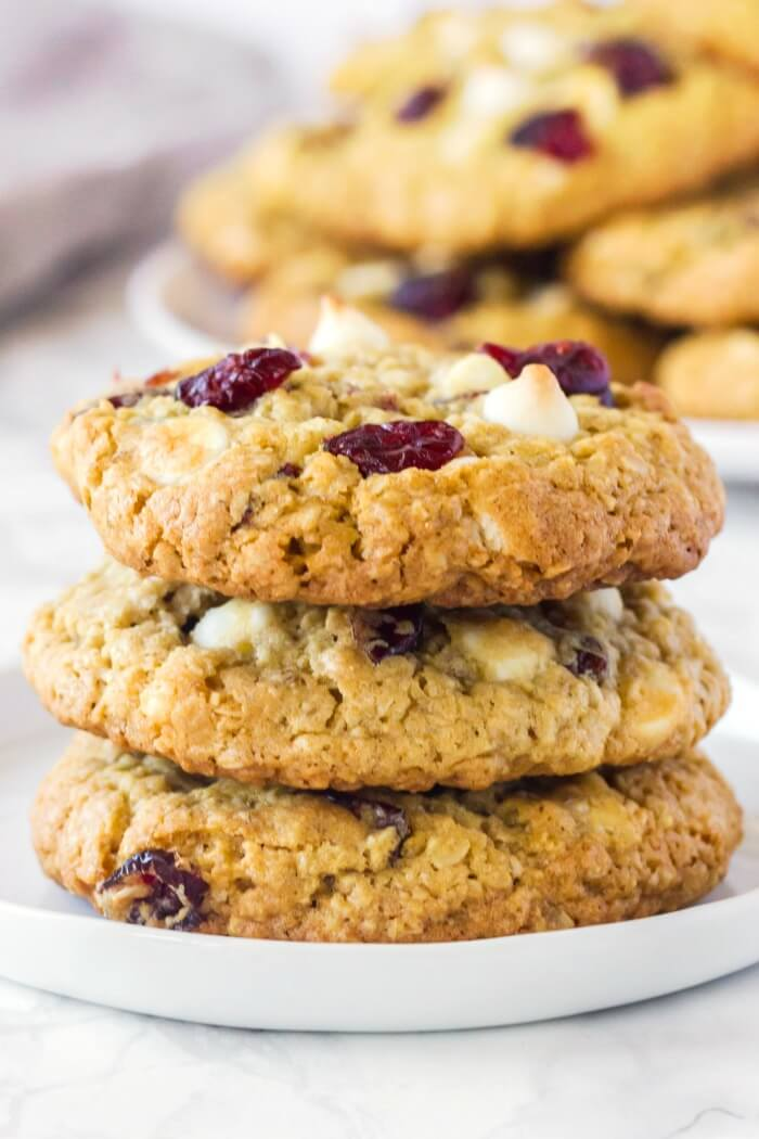 CHEWY WHITE CHOCOLATE CRANBERRY OATMEAL COOKIES