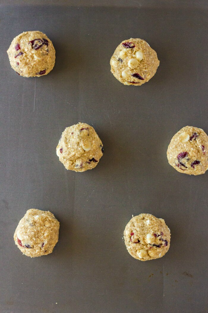 WHITE CHOCOLATE CRANBERRY OATMEAL COOKIE DOUGH
